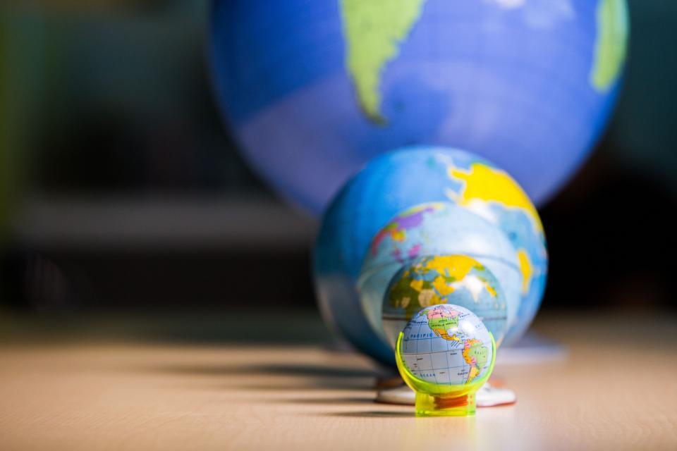 Big globes, small globes