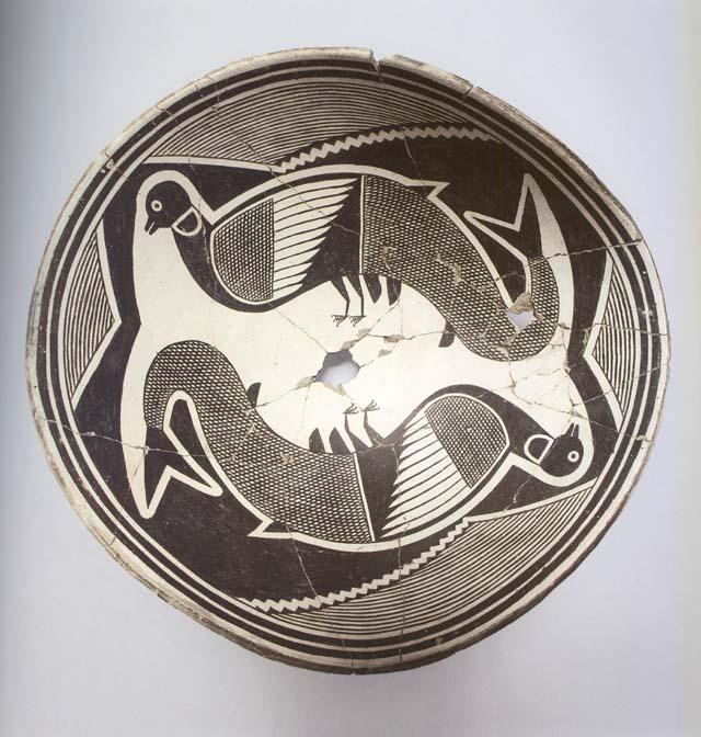 photo of Mimbres black-on-white ceramic design